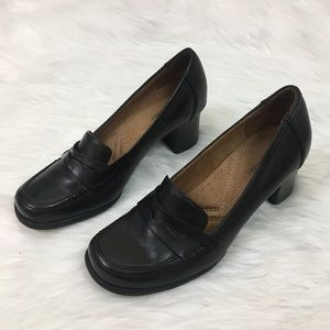 Naturalizer leather chunky heel loafers